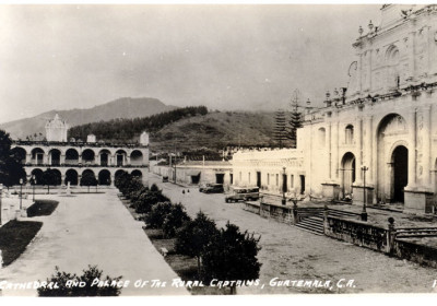 1940 photo of Antigua's central park by Stein (courtesy of CIRMA)