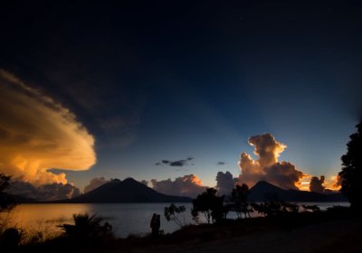 Time-lapse video: sunset at Lake Atitlán by Roberto Quesada