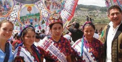 Ochoa (rt) with some of the royalty of the 2008 Santiago Kite Festival