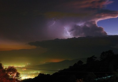 Lightning storm approaches Antigua from the west (photo: Guido Lucci)