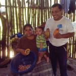 Lanquín family with a day's harvest (photo by Thor Janson)