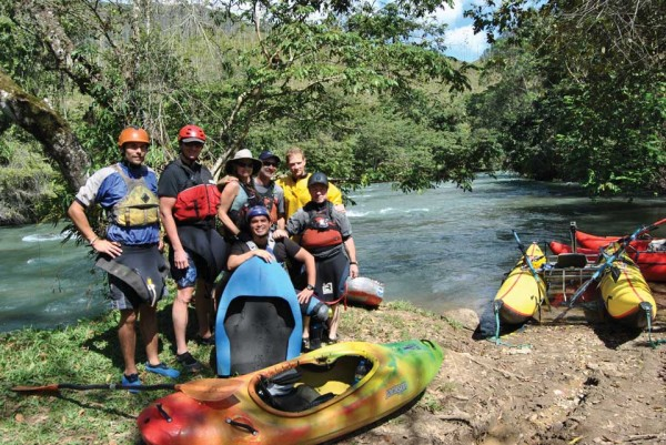 2012 expedition group on the río Cahabón (Alta Verapaz), photo: Luis Enrique Lopez Argueta