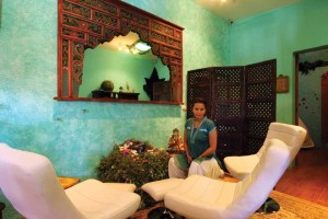 Owner Indiiya Sztevanovity welcomes you to the Avesa Oasis Holistic Center (photo by César Tián)